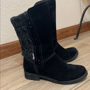 Mukluks   black western style boots